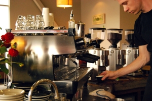 Pulling shots from Verve's La Marzocco GB/5